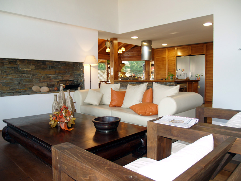 Awesome Ideas How Decorate Your Small Listed Living Room