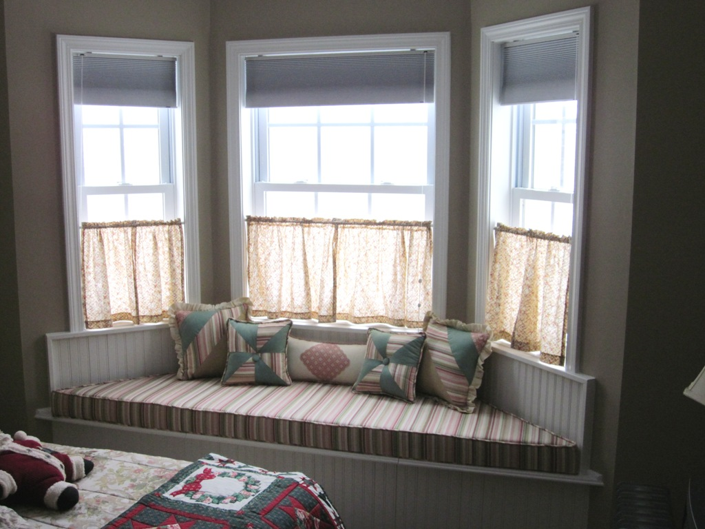 Bay Window Cushion Furniture Ideas