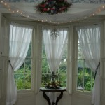 Clever Window Treatment Ideas For Bay Windows Country Room