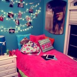 Cool Room Idea Hang White Christmas Lights And Attach Clothespins