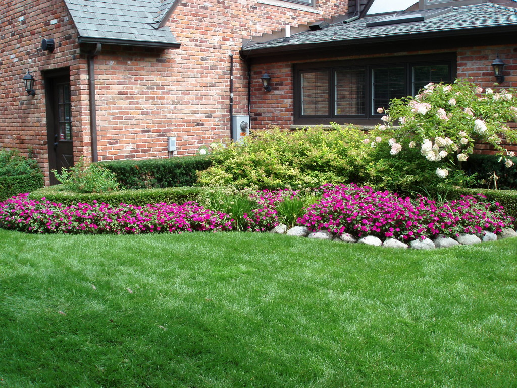 Creating Beautiful Home Landscape Design Pictures