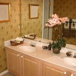 Decorating Ideas For Small Bathrooms Thumbnail