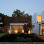Lake House Portugal Paying Tribute Modern Architecture