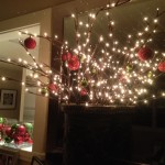 Mas Merry And Bright Christmas Decorating