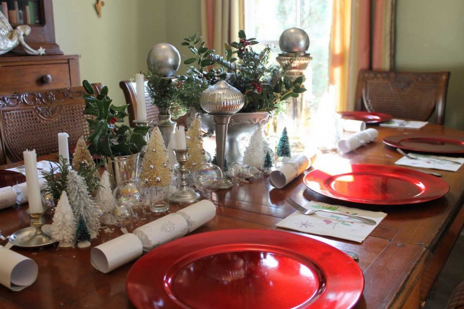 Simple And Beauty Centerpiece For Christmas Decorating Ideas