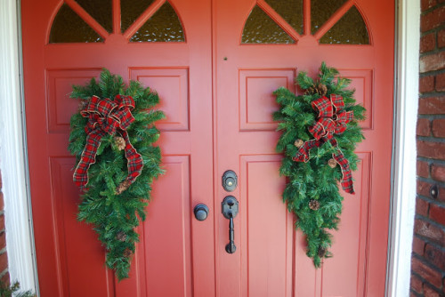 Swags Front Door Especially Love Them Barn Red Doors
