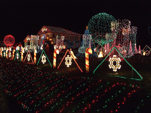 Top Christmas Light Displays Decorating