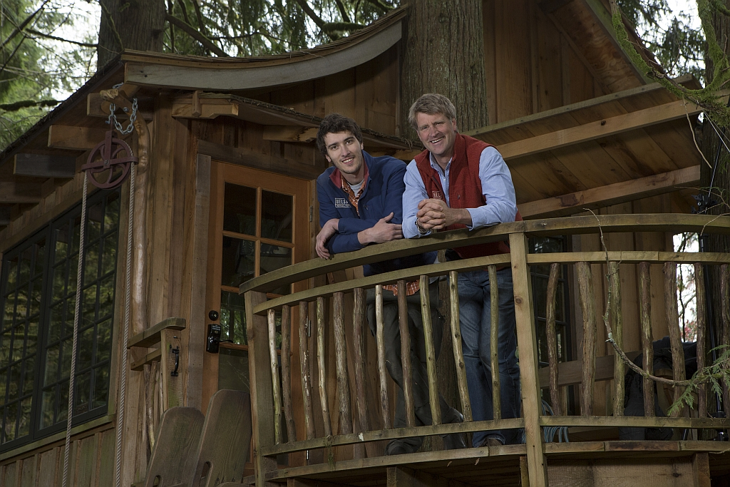 Treehouse Masters Star Pete Nelson And Son Charlie