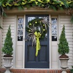Unique Ways Decorate Your Front Door For The Holidays Home