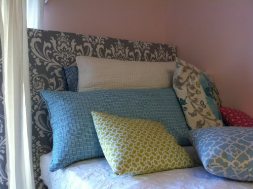 Wooden Headboard And The Mattress Keep New Cute Place
