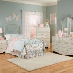 Choose Girls Bedroom Sets Princess Ward Log