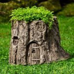 Interesting Ideas Decorate Your Garden Tree